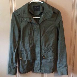 Like-new Green army jacket
